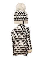 Детский комплект: вязаная шапочка с бумбоном и шарфик.