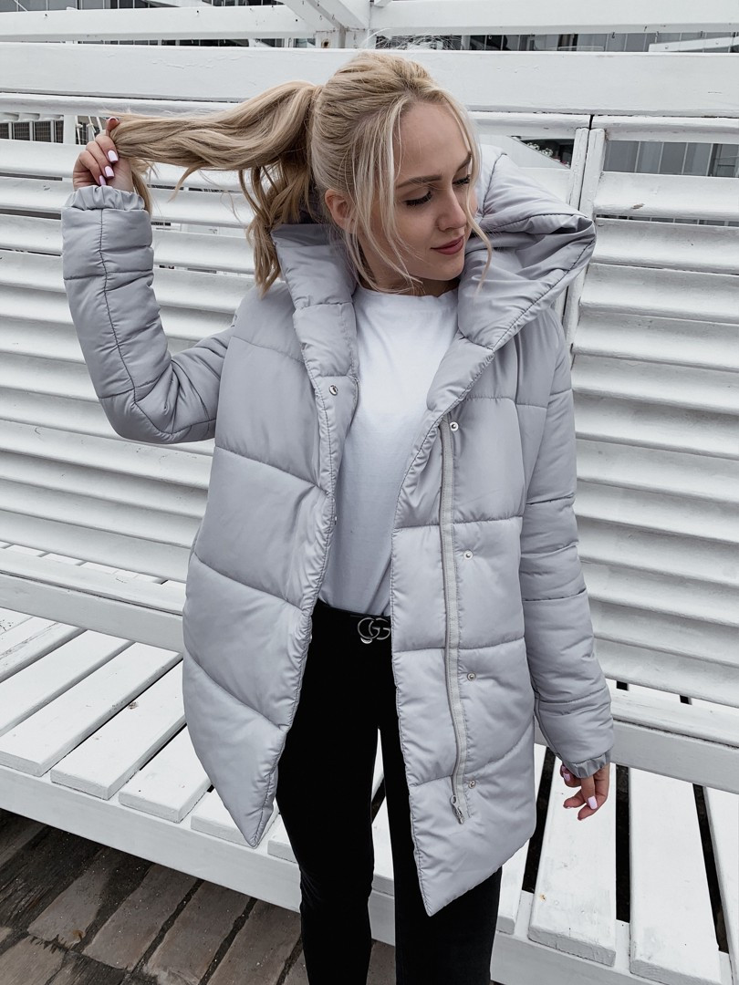 Жіноча тепла подовжена куртка-зефирка з капюшоном (Норма)