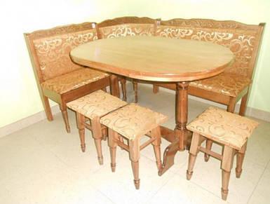 Кухонный уголок Капелла со столом и табуретами