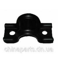 Скоба кріплення втулки переднього стабілізатора Джилі СК / Geely CK 1400579180-01