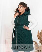 Жилетка жіноча з плащової тканини на синтепоні колір смарагд, великих розмірів від 54 до 64, фото 2
