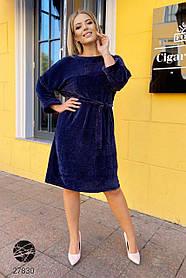 Велюровое платье с поясом для фигуры 48+