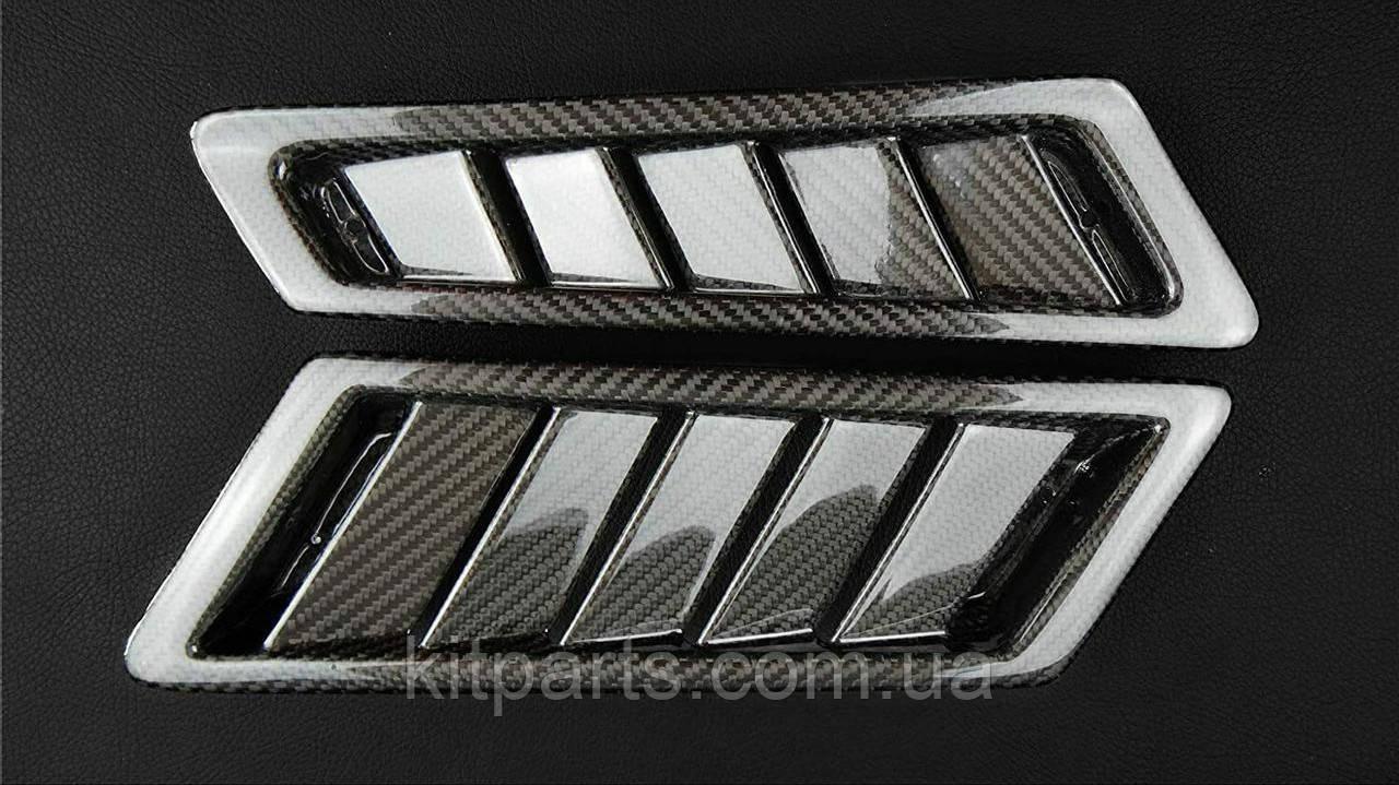 Карбонові накладки на вентиляційні отвори в крила жабри для Mercedes G-Class W463 G55 G65 G63 Brabus