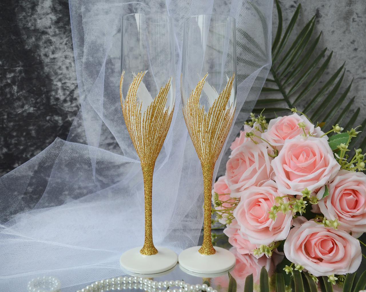 Свадебные бокалы для молодоженов ручной работы с золотым декором