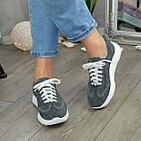 Кроссовки женские замшевые на белой подошве, на шнурках. Цвет серый, фото 6