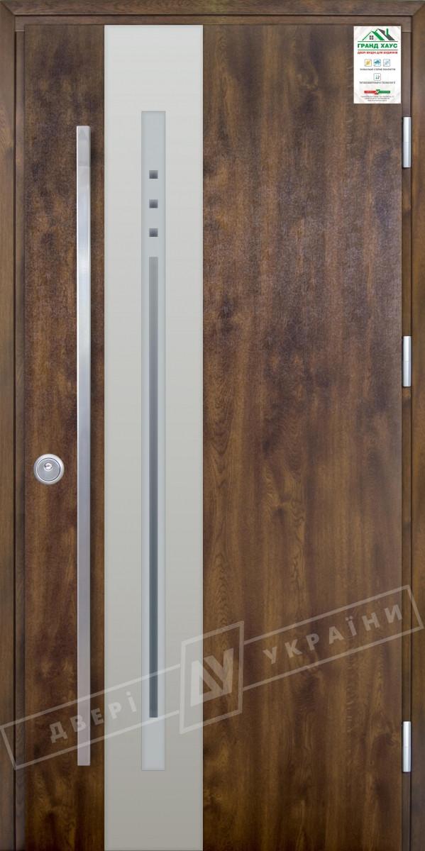 """Двері вхідні вуличні серії """"GRAND HOUSE 73 mm"""" / Модель №4 / колір: Темний горіх / Ручка - скоба"""