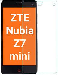 Защитное стекло ZTE Nubia Z7 mini (Прозрачное 2.5 D 9H) (ЗТЕ Нубия З7 Мини)