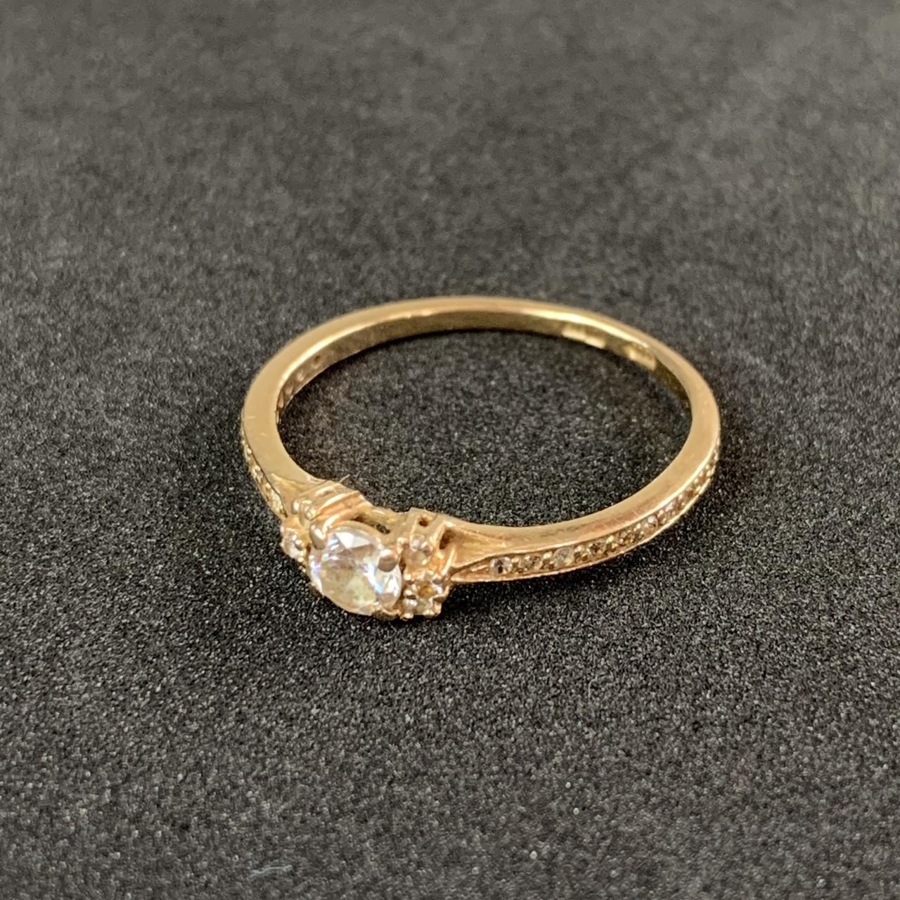 Золотое кольцо с фианитами 585 пробы, вес 1.80г. Б/у. Продажа по Украине