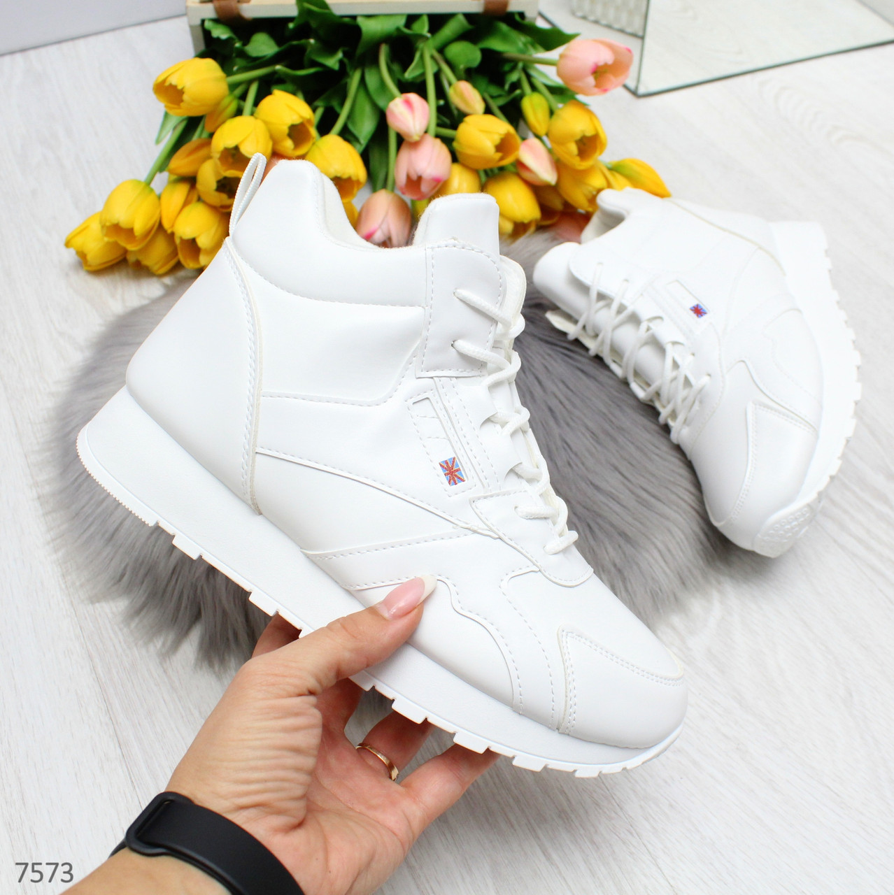 Высокие белые молодежные женские зимние кроссовки зима 2020-2021
