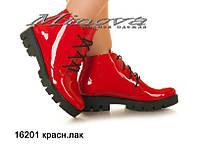 Женские ботинки красный лак на цигейке (размеры 36-41)