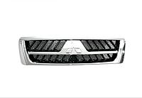 Решетка радиатора Mitsubishi Pajero Wagon 3 03-07 хром/серый (FPS) MN117202WA