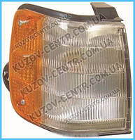 Правый фонарь габаритный MAZDA 323 85-87