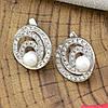 Серебряные серьги Лабиринт размер 16х16 мм вставка искусственный жемчуг и белые фианиты вес 5.3 г, фото 3