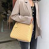 Женская большая классическая сумка на цепочке желтая, фото 3