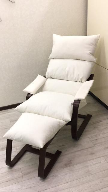 Кресла, кресла-качалки и пуфы