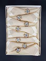 Подарочные наборы скатертей в коробках с салфетками.