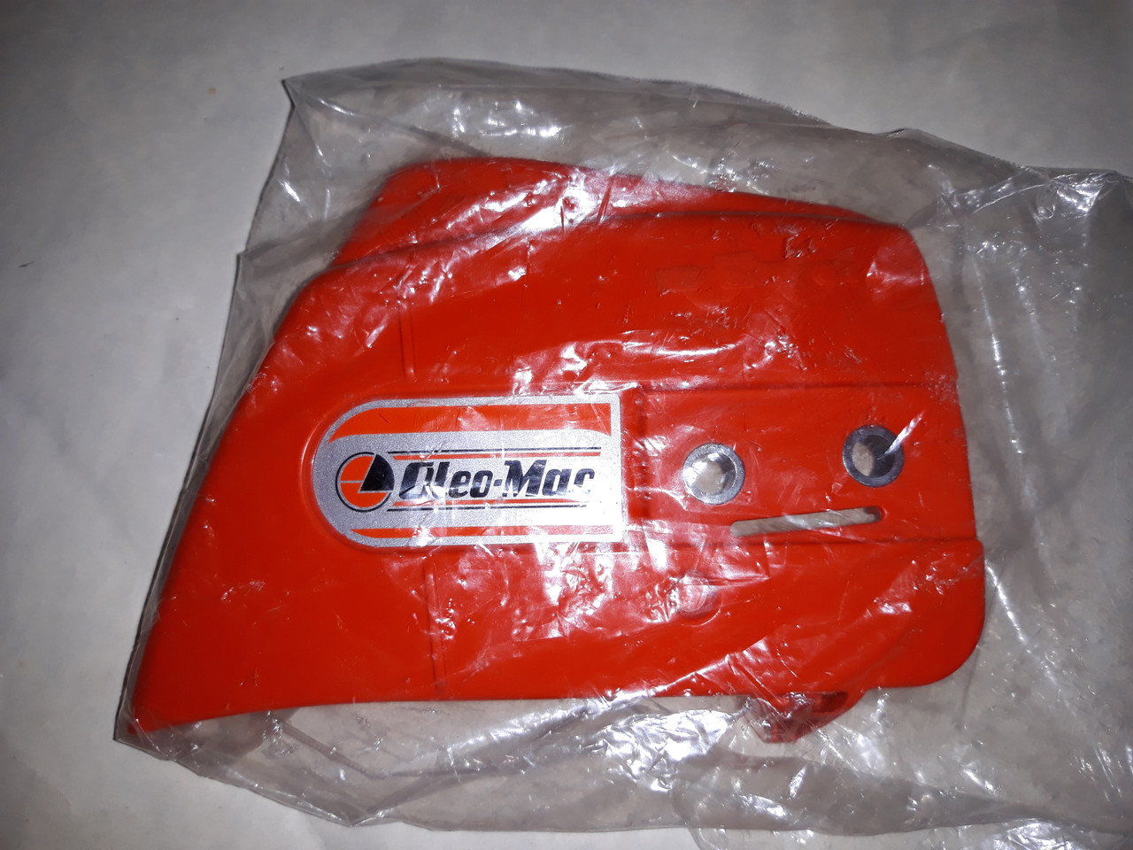 Крышка шины к бензопиле Oleo-Mac 35C оригинал