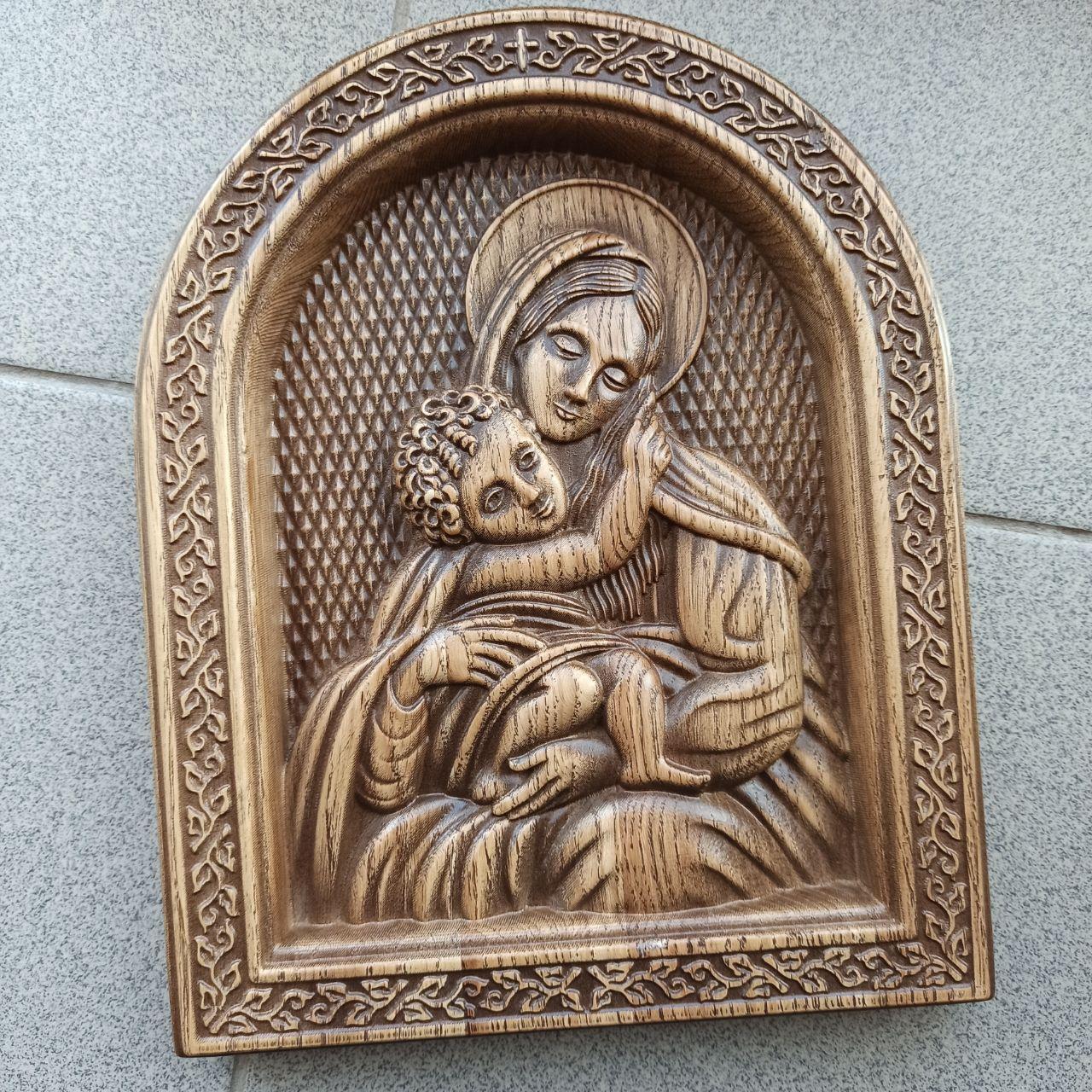 """Икона резная из дерева. """"Богородица"""" 210х168"""