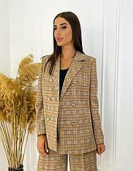 Двубортный коричневый женский пиджак в клетку