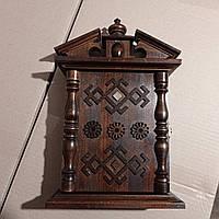 Настенная ключница ручной работы из дерева 35*24 на 6 ключей с настенным крепежем