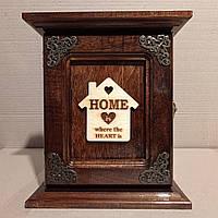 """Ключница настенная из дерева ручной работы """"Home"""" 27*23 на 6 ключей с настенным крепежем"""
