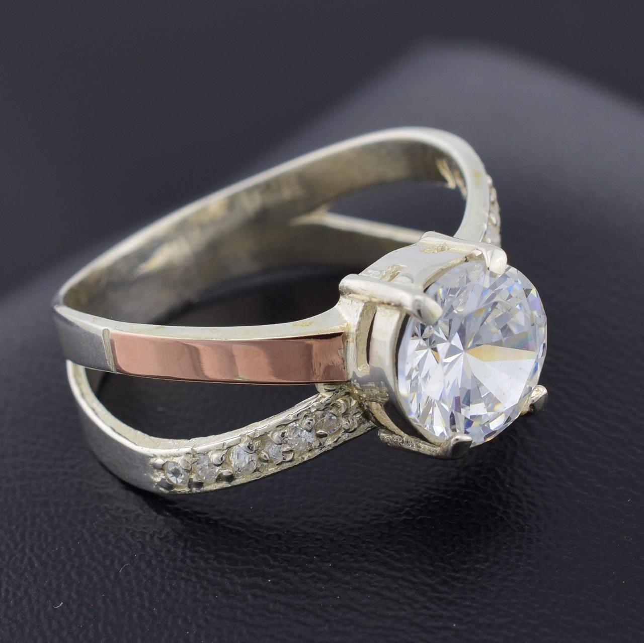 Серебряное кольцо с золотом Мария вставка белыефианиты вес 5.1 г размер 17