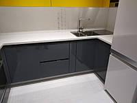 Угловая встроенная кухня 2