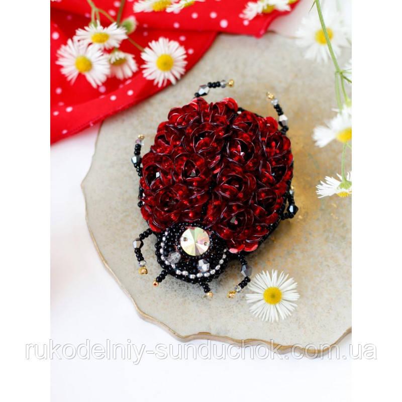 Набор-украшение для вышивки бисером ТМ Абрис Арт AD-083 Брошь. Божья коровка