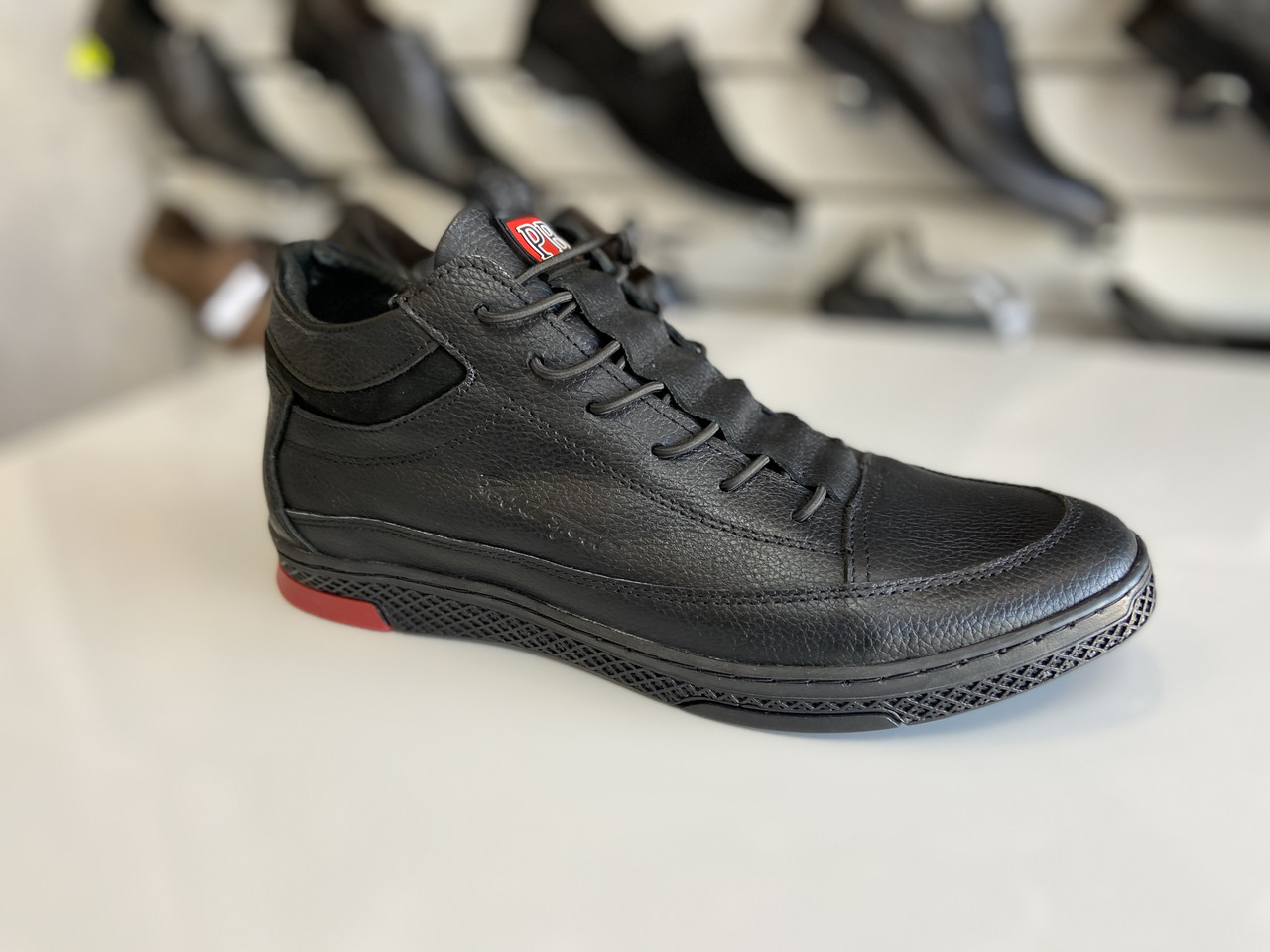 Мужские демисезонные кроссовки