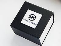 Подарочная коробка для часов c логотипом Michel Kors на лицевой стороне, фото 1