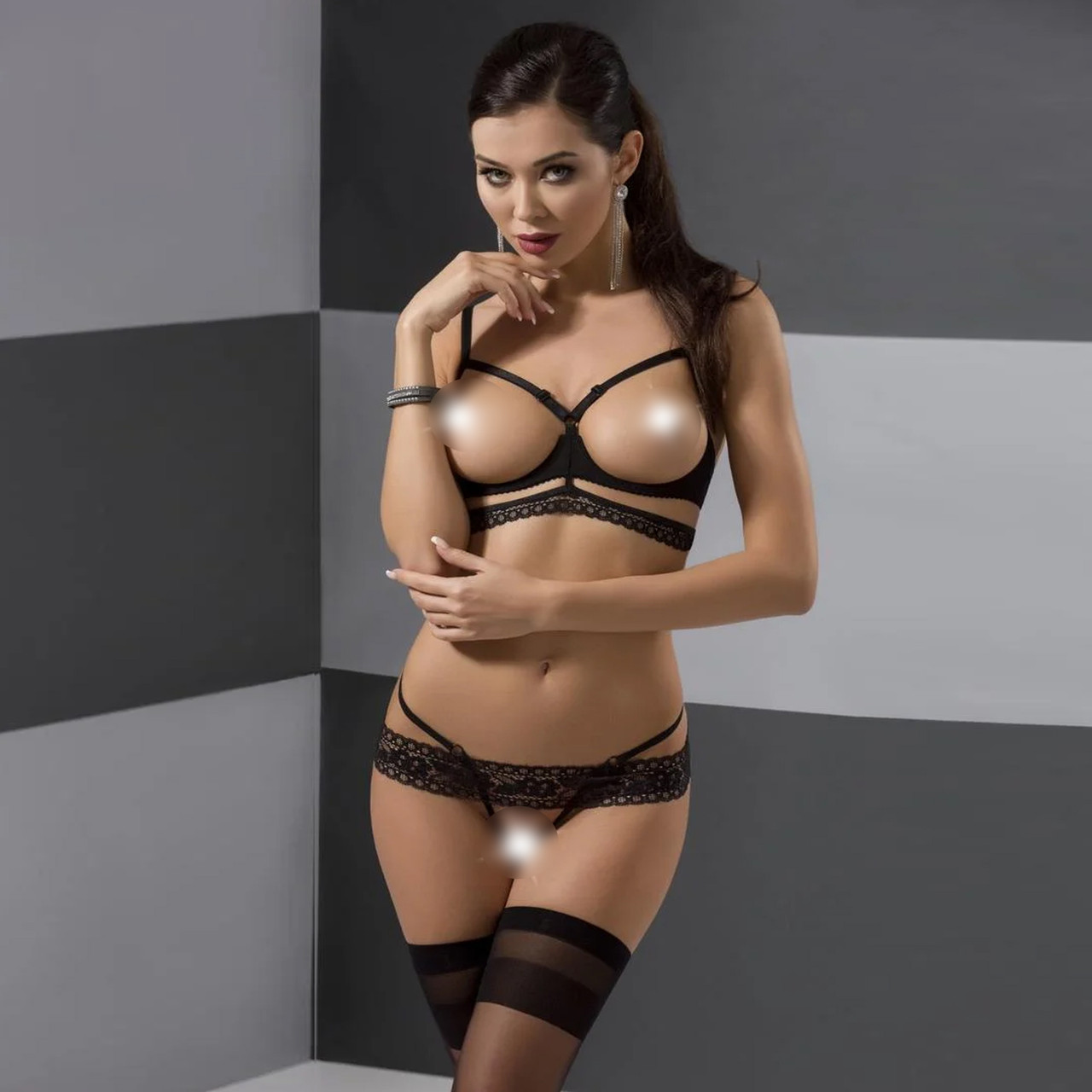 Комплект білизни SARIA SET OpenBra black L/XL - Passion Exclusive: стрэпы: откртый ліф, стрінги