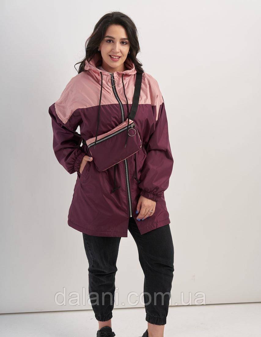 Женская бордовая куртка на флисе с клатчем батал