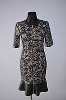 Платье серое с гипюром
