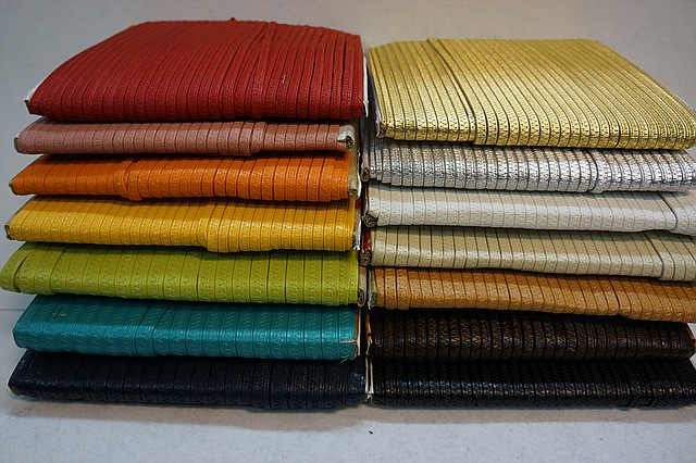 Резинки в коже эластичные 16 мм.  цвет в ассорт.