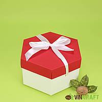 Коробка 170*200*100  подарункова з бантом, біло-червона