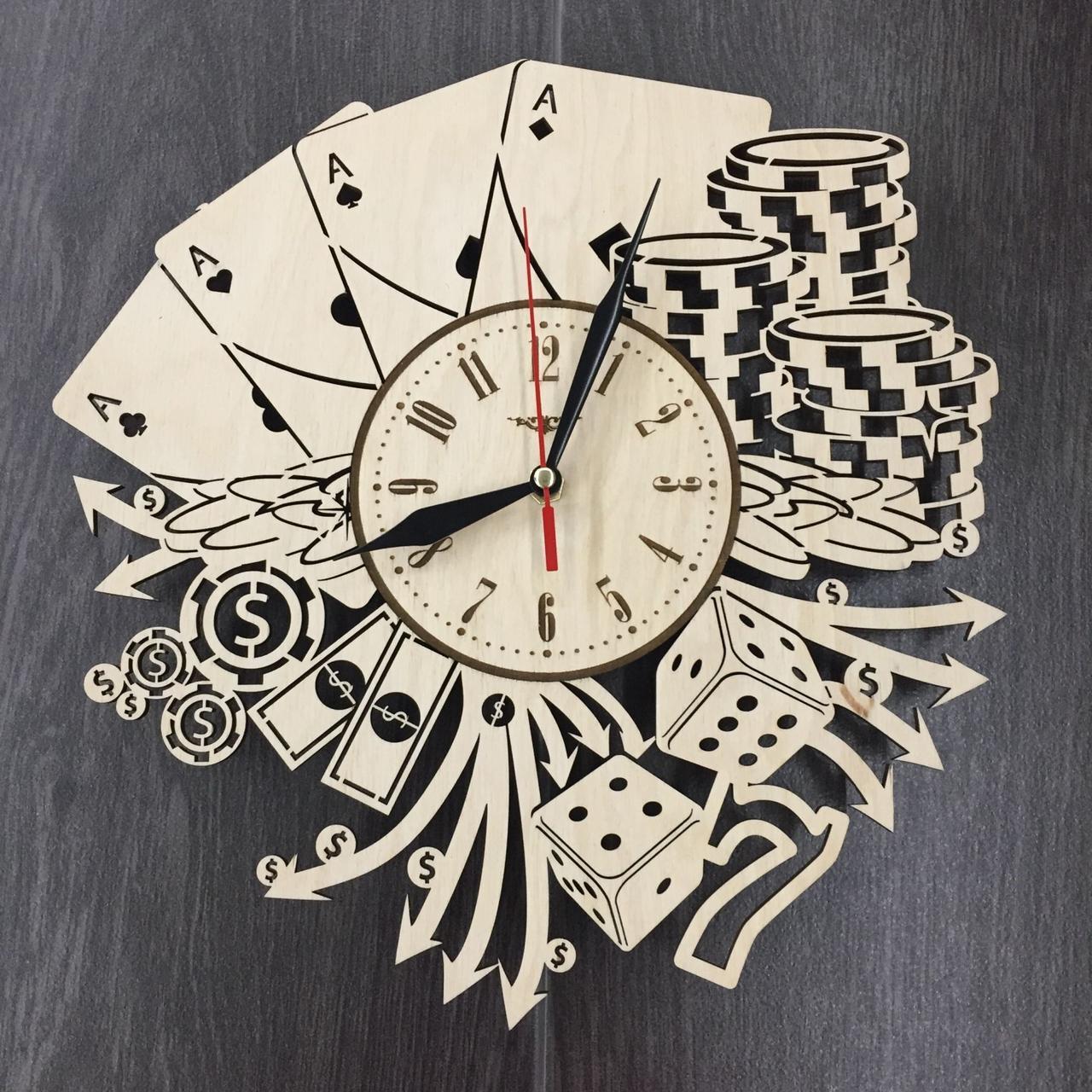 Стильные деревянные настенные часы Лас-Вегас бесшумные - подарок мужчине