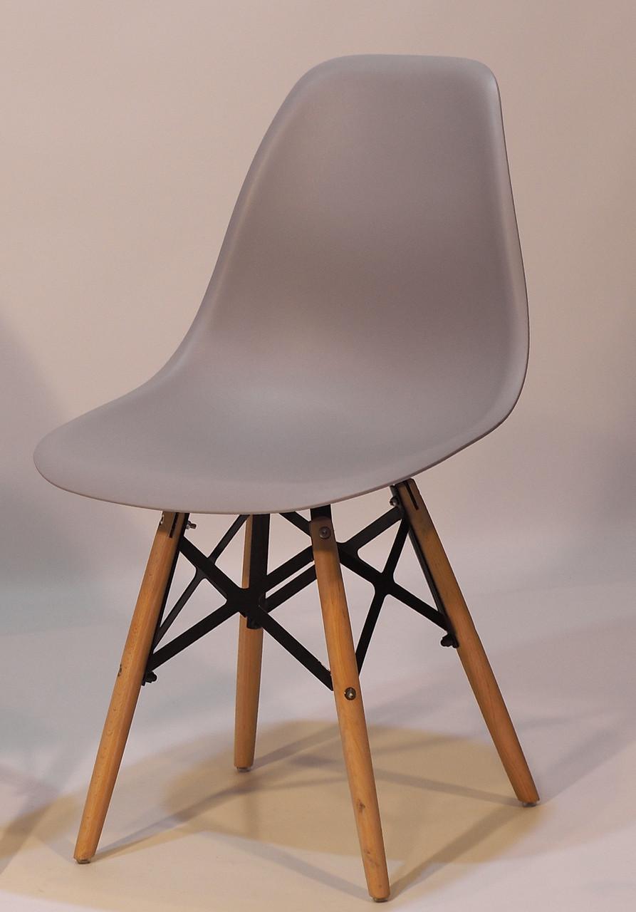 Стілець на дерев'яних ніжках з пластиковим сидінням Nik XXL для барів, кафе, ресторанів, стильних квартир