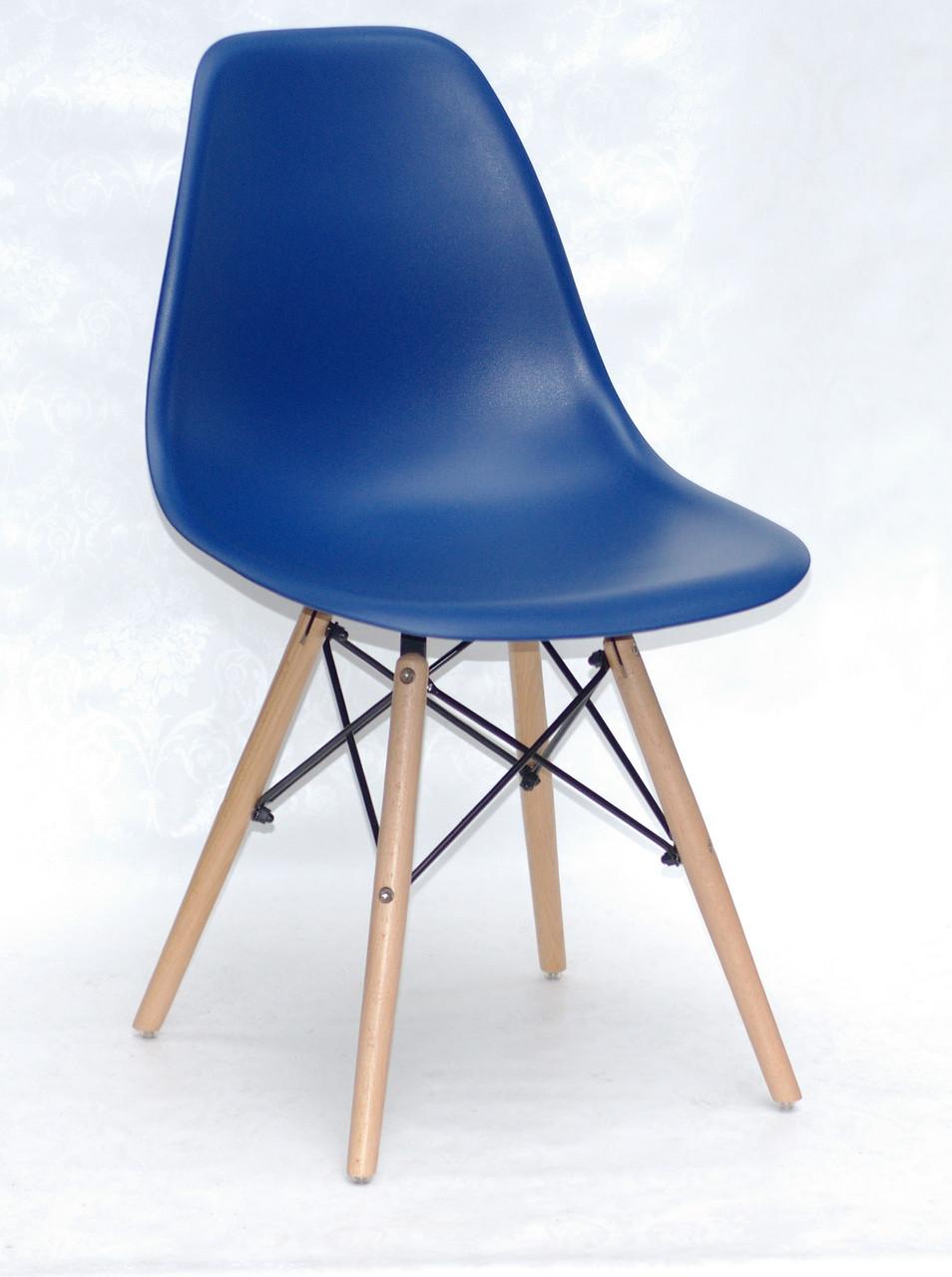 Синий стул пластиковое сиденье на деревянных ножках в современном стиле Nik для баров, кафе, ресторанов