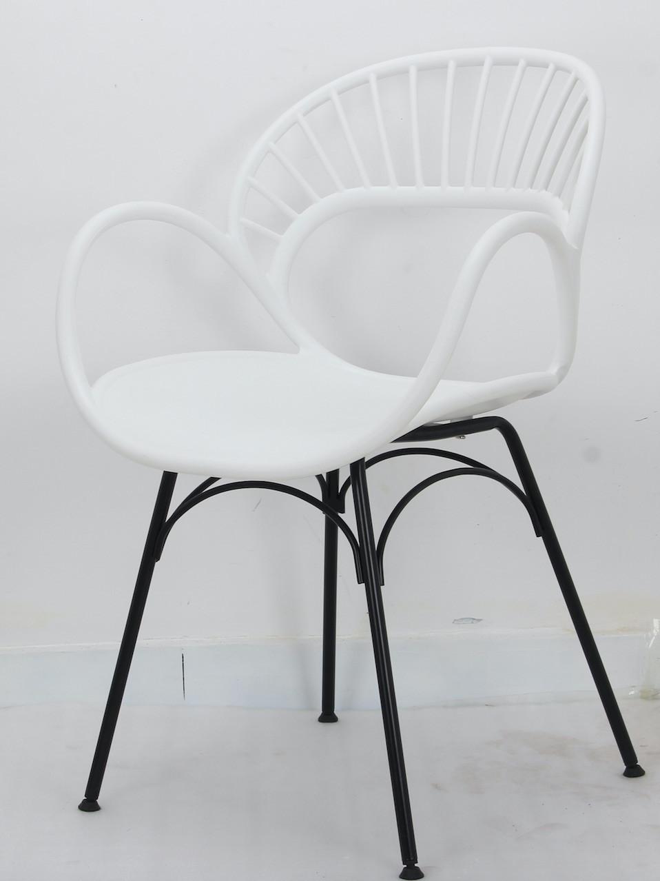 Кресло пластиковое белое в современном стиле Flori для баров, кафе, ресторанов, стильных квартир
