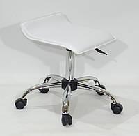 Офисный стул на колесиках из эко кожи с хромированным основанием ABAZ CH-OFFICE белый
