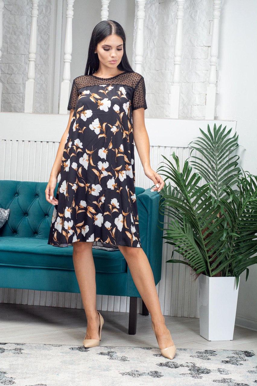 Жіноче легке літнє плаття трапеція з софта з сіткою, короткий рукав, вільне, по коліно.Квіти на чорному
