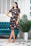 Жіноче легке літнє плаття трапеція з софта з сіткою, короткий рукав, вільне, по коліно.Квіти на чорному, фото 3
