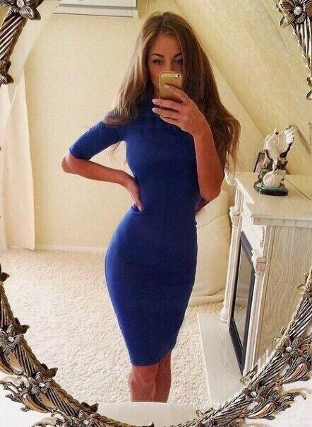 Жіноче трикотажне плаття вище коліна з рукавами по лікоть, обтягуючі. Синє 40,42,44,46