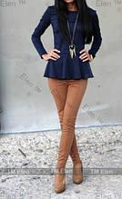 Трикотажна святкова жіноча блузка з баскою і довгими рукавами. Розмір 40,42,44,46. Синя