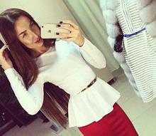 Трикотажная нарядная женская блузка с баской и длинными рукавами. Размер 48,50,52. Белая.
