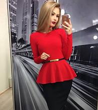Трикотажна святкове жіноча блузка з баскою і довгими рукавами. Розмір 48,50,52. Червона