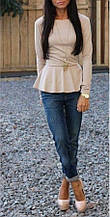 Трикотажная нарядная женская блузка с баской и длинными рукавами. Размер 48,50,52. Бежевая