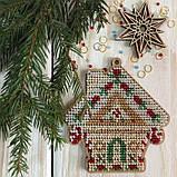 Набор для вышивки бисером по дереву. Елочная игрушка Домик 8*9 см, фото 2