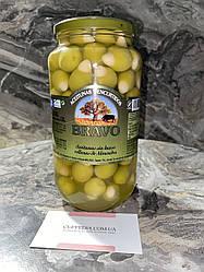 Оливки Bravo фаршировані цільним мигдалем