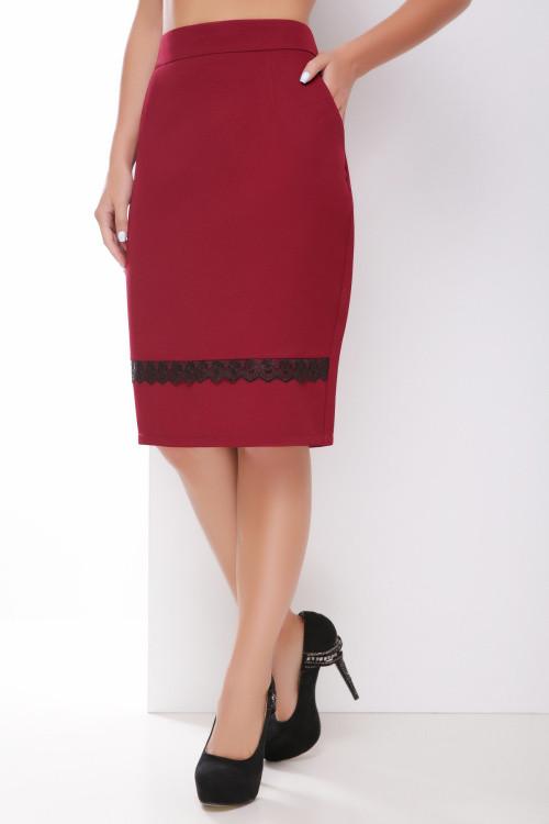 Прямая юбка с утонченным кружевом бордовая 42 р